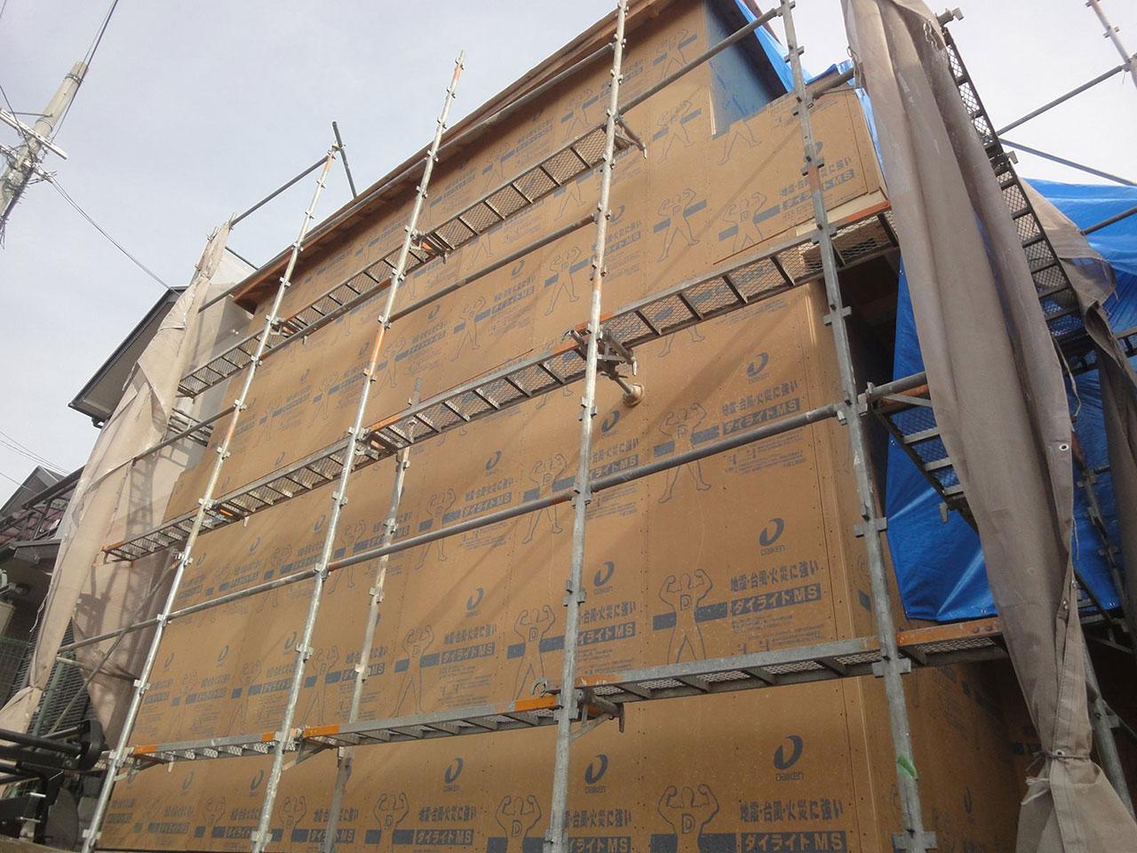 外壁の下地材施工の写真