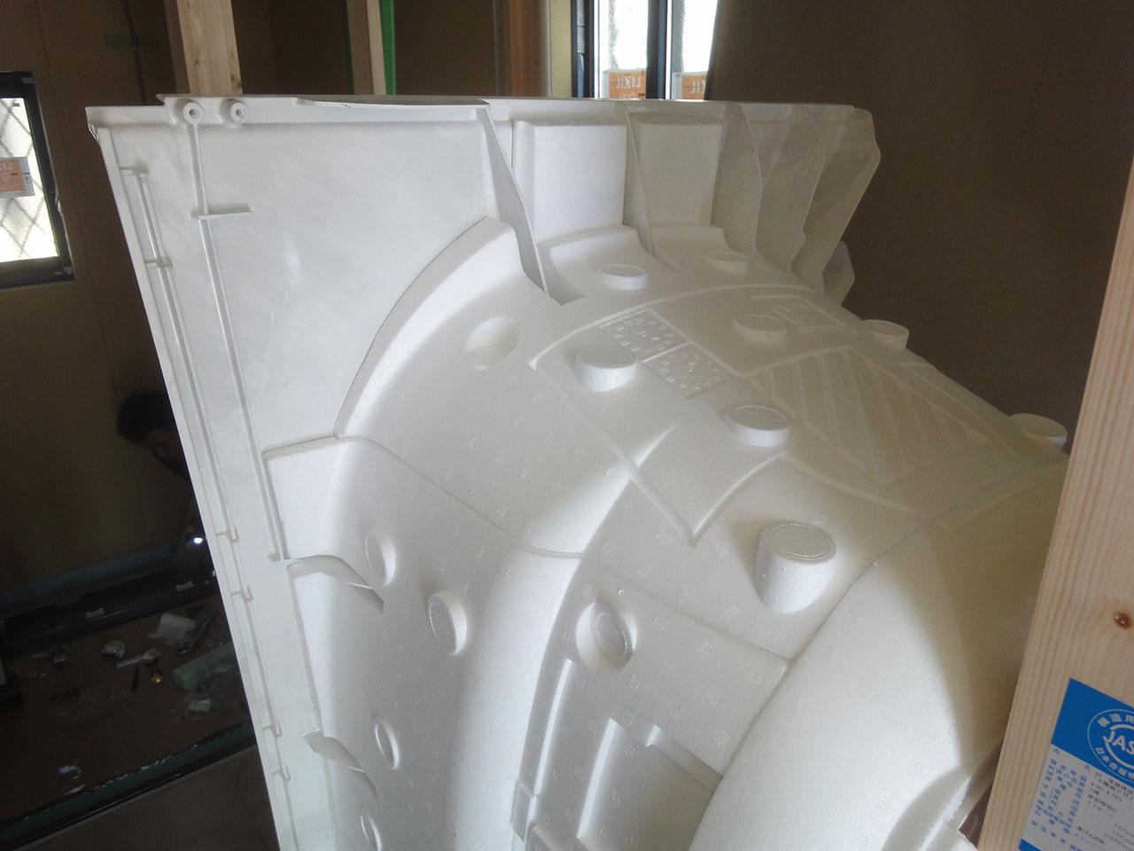 グランステージくずはⅢ 浴槽の裏側も断熱材で覆うことで、保温効果がアップ
