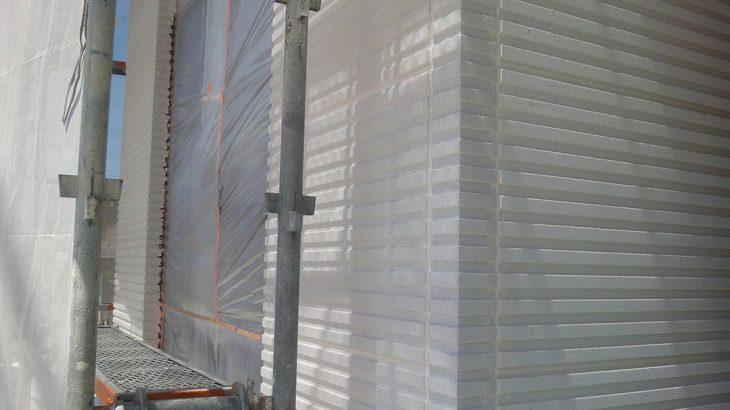 グランステージくずはⅢ モデルハウス 外壁仕上げ材の施工の写真1