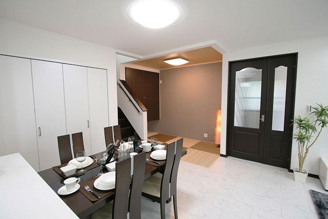 グランステージくずはⅢ モデルハウスの家具配置、室内イメージ2