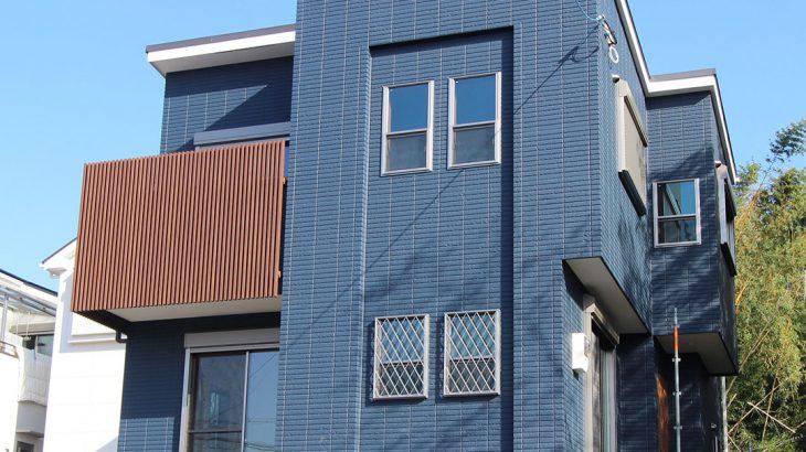 グランステージくずはⅢ モデルハウス 紺色の外壁